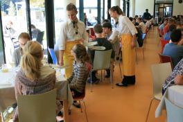 Kulinarik-Bereich im Alm 34 Hostel