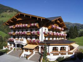 Hotel Lammwirt im Sommer